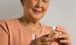 Lưu ý dùng thuốc ở người cao tuổi
