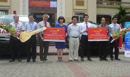Trao tặng xe cứu thương cho Bệnh viện Đại học Y Hà Nội