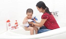 Phòng chữa rôm sảy cho con trong những ngày hè nóng bức