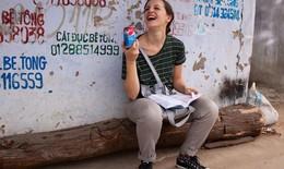 Cô gái Mỹ nói về 13 thói quen phải bỏ khi đến Việt Nam