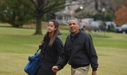 Ảnh riêng tư của con gái Obama lan truyền trên mạng