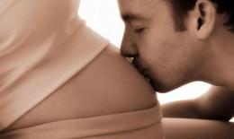 8 lợi ích bất ngờ của sex khi mang thai
