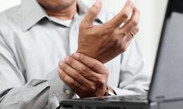 Xoa bóp chữa hội chứng ống cổ tay