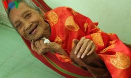 Cụ bà 122 tuổi ở TP HCM được công nhận kỷ lục cao tuổi nhất thế giới