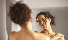 """10 điều làn da """"mách"""" về sức khỏe của bạn"""