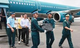 Rơi lệ đón di hài phi công Su-22 Nguyễn Anh Tú về quê hương
