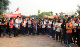 1000 sinh viên Học viện Y Dược học Cổ truyền dâng hương Đại Danh Y Thiền sư Tuệ Tĩnh