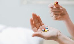 Tuyệt đối không dùng thuốc nhuận tràng cùng các thuốc uống khác