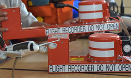 Chuông báo động 'kêu inh ỏi' trước khi máy bay AirAsia lao xuống biển