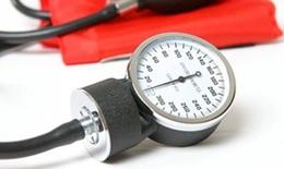 Dùng thuốc chống tăng huyết áp sau sinh thế nào?