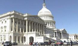 Một người đàn ông dùng súng tự sát trước tòa nhà Quốc hội Mỹ
