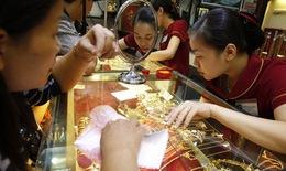 Giảm nhỏ giọt, vàng trong nước cao hơn thế giới 1,6 triệu đồng/lượng