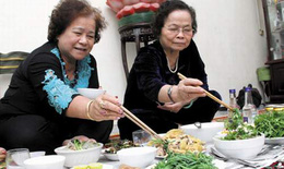 Nguyên nhân gây chán ăn ở người cao tuổi