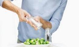Ăn mặn dễ gây viêm họng