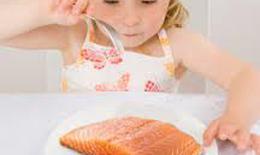 Ăn cá giúp giảm nguy cơ dị ứng ở trẻ