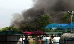 Cháy lớn tại khu vui chơi đối diện sân bóng đá Mỹ Đình