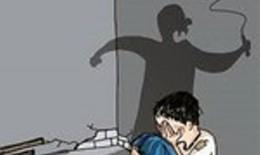 """Khởi tố vụ án """"Giết người"""" khiến bé gái tử vong nghi do bị bạo hành"""