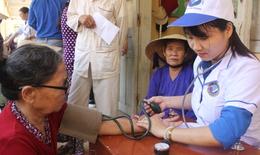BV  TƯ Quảng Nam khám chữa bệnh miễn phí cho người dân huyện đảo Lý Sơn