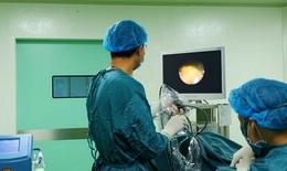 BVĐK Quang Khởi: Nội soi tán sỏi niệu quản ngược dòng bằng Laser giúp người bệnh an tâm điều trị