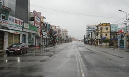 """Quảng Ngãi """"nín thở"""" đón bão số 9 Molave"""