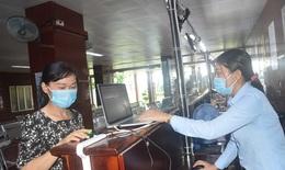 Bệnh viện đầu tiên ở miền Tây: Quét vân tay chặn COVID-19