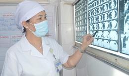 Hạt lạc nằm trong phổi cụ ông 95 tuổi, 2 tháng