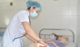 Thai ngoài tử cung vỡ, máu tràn ổ bụng người phụ nữ 31 tuổi