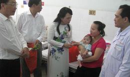 Bộ trưởng Bộ Y tế chúc Tết và thăm bệnh nhi BV Nhi Đồng 2 TP.HCM
