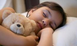 Ngủ ngáy ảnh hưởng đến khả năng học tập của trẻ