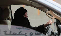 Ả rập Xê út cho phép phụ nữ lái xe