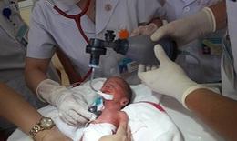 Bệnh viện huyện miền núi cứu sống trẻ sinh non suy hô hấp