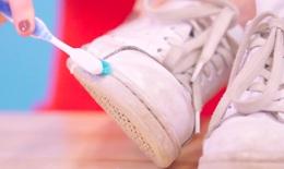 Mẹo làm sạch vết ố trên giày trong chốc lát