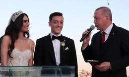 Bức ảnh Tổng thống Erdogan dự đám cưới cầu thủ Đức Ozil gây 'bão mạng'