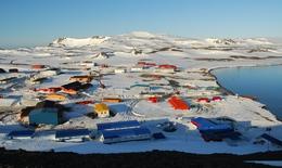 Đại dịch COVID-19 đặt chân lên Nam Cực