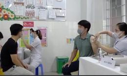 Hơn 300 nhân viên làm việc tại cảng biển ở TP.HCM được tiêm vắc xin phòng COVID-19