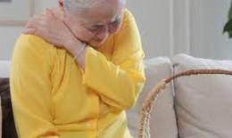 Hạn chế thoái hóa khớp gối ở người cao tuổi