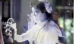 Người phụ nữ 60 năm gắn bó với nghiệp điều dưỡng