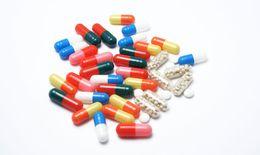 """Cách nào hạn chế """"bất lợi"""" khi dùng kháng sinh doxycyclin?"""