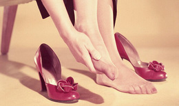 Đau gót chân chữa trị thế nào?