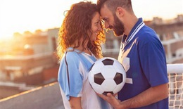 """Cầu thủ thi đấu tại World Cup có bị cấm """"yêu""""?"""