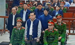 """Xét xử Phan Văn Anh Vũ cùng 4 đồng phạm: Đề nghị xử Vũ """"nhôm"""" 14-15 năm tù, 2 cựu Thứ trưởng Bộ Công an 30-42 tháng tù"""