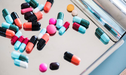 Dùng dimethyl trong trị bệnh đa xơ cứng: Thận trọng với bất lợi trên tiêu hóa