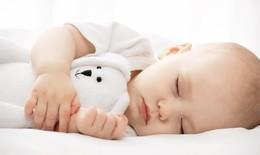 Trẻ sơ sinh ngủ bao lâu là đủ?