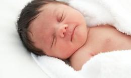 Chăm sóc giấc ngủ cho bé trong mùa đông