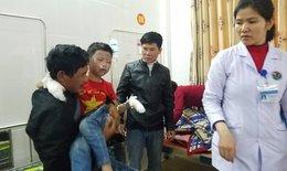 Bác sĩ đang cứu chữa 7 học sinh trọng thương vì nổ bình gas ở Lộc Hà
