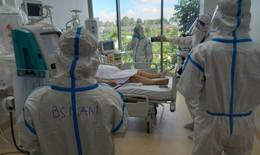 Trong phòng bệnh nhân nặng của Bệnh viện Hồi sức COVID-19 quy mô 1.000 giường