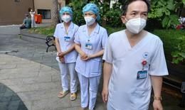 Y bác sĩ Bệnh viện Thống Nhất chiến đấu với COVID-19 tại Bệnh viện Dã chiến số 8