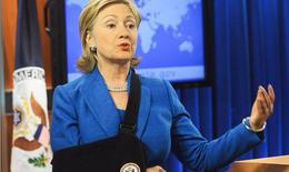 Bác sĩ Nhà Trắng tiết lộ chuyện ít biết về bệnh tình của bà Clinton