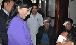 Mang ánh sáng bằng kỹ thuật cao đến với người mù nghèo Hà Tĩnh
