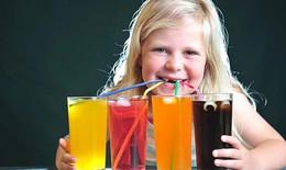 Thường xuyên uống nước ngọt có gas, trẻ dễ mắc bệnh gan nhiễm mỡ